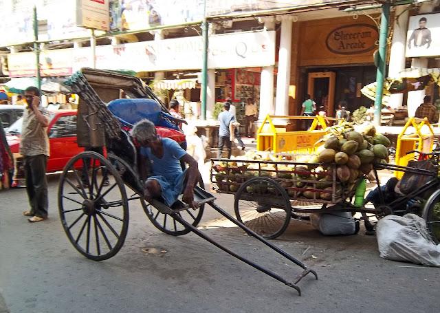 hand rickshaw in Kolkata