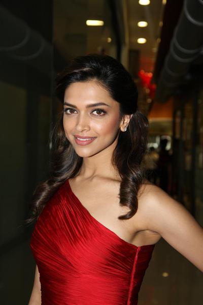 In Pics: Sexy Deepika Padukone