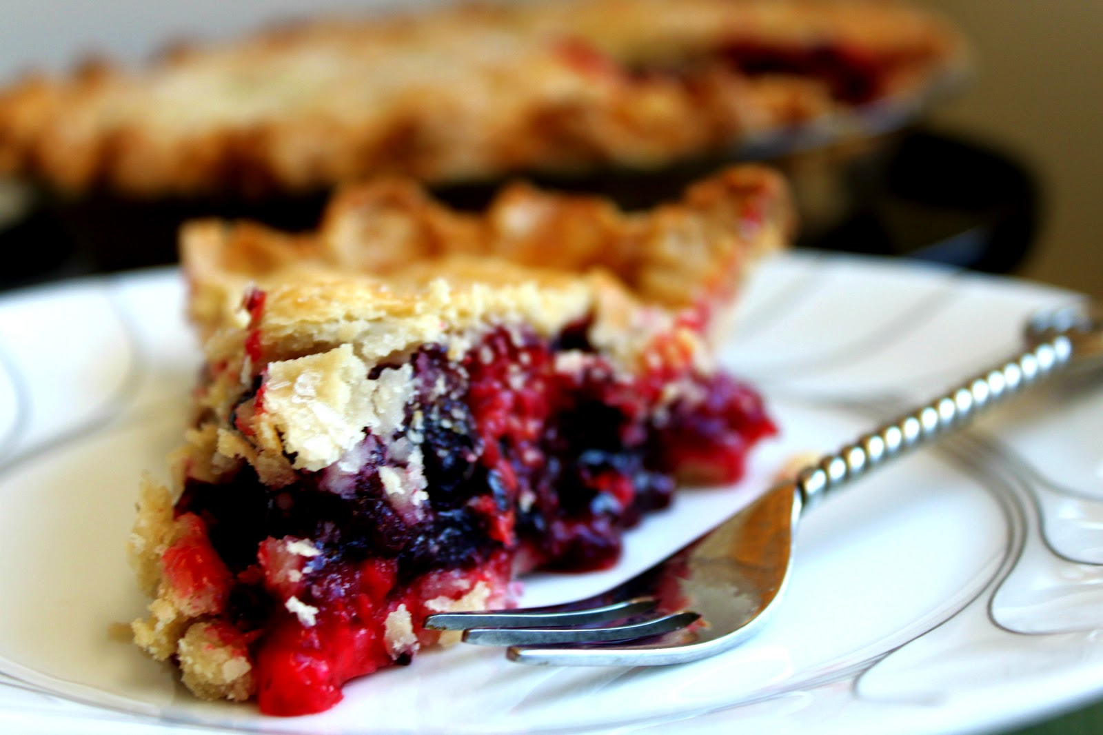 Feast for the Eyes: Berry Pie with a French Pastry Pie Crust