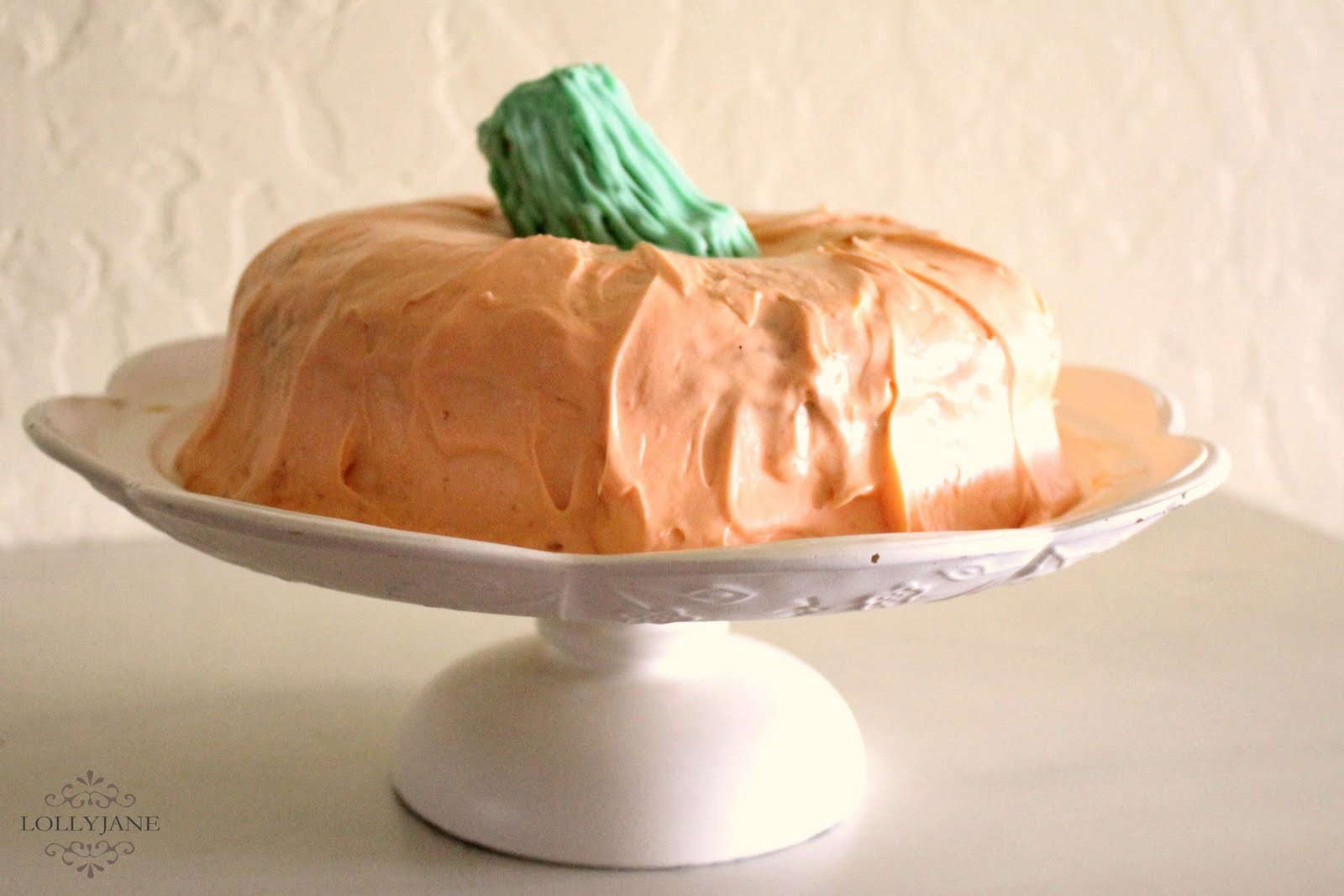 Pumpkin Bundt Cake with a fun Printable from Lolly Jane