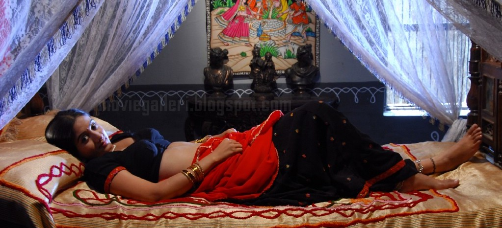 Harshika hot bedroom scene pictures telugu actress for Hot bedroom photos