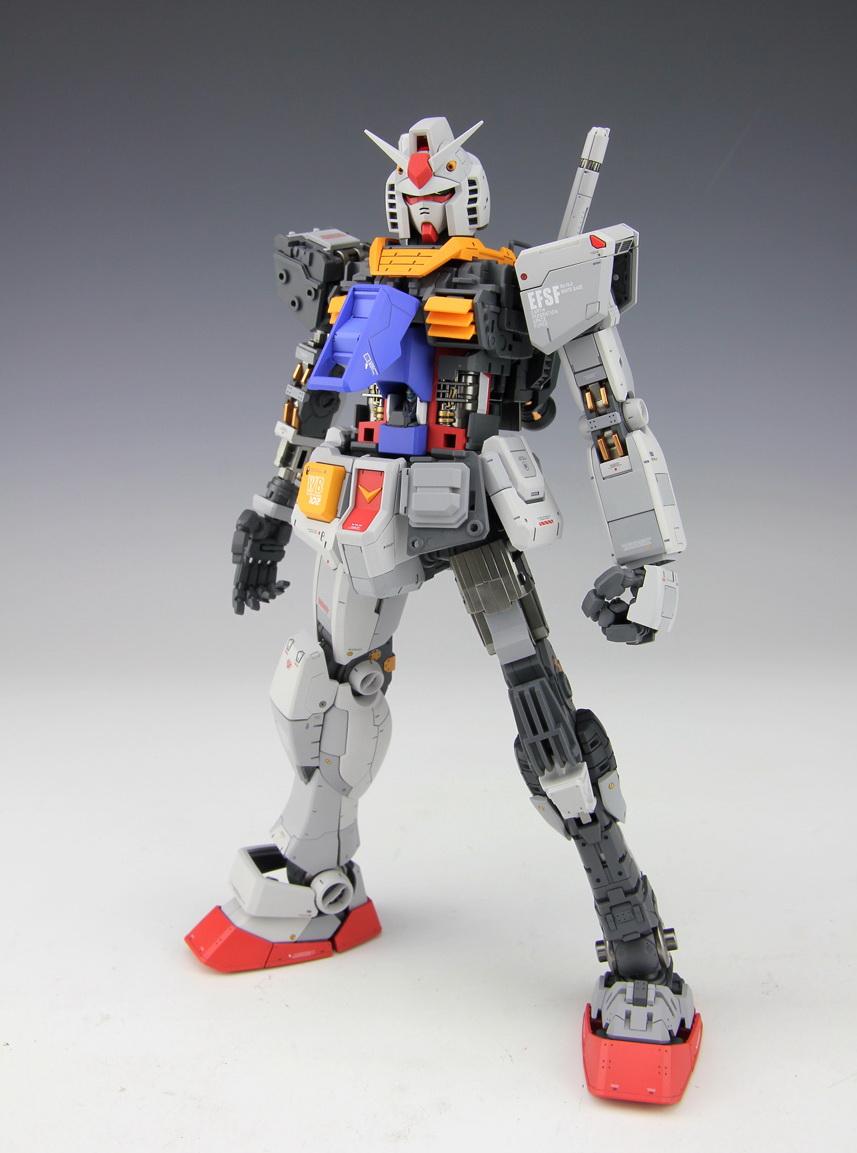 RX-78 T MG 1/100 RX-78-2 Gundam Ver. 3.0 w/ Display Base - Painted Build