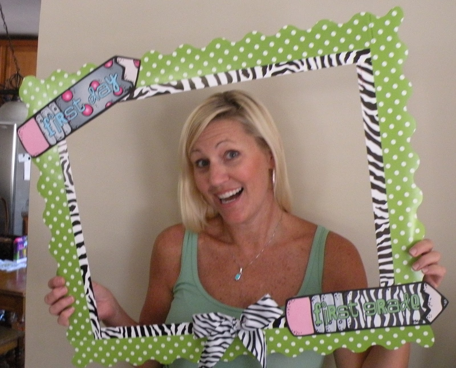 First Grade Fever! by Christie: Back-to-School Picture Frame & a ...
