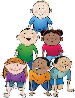 Crianças amigas felizes