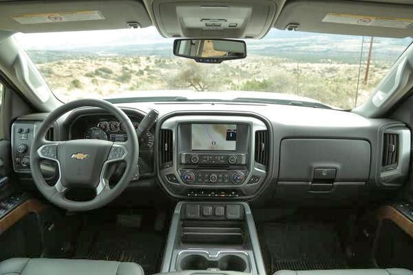 2015 Chevrolet Silverado HD Pictures