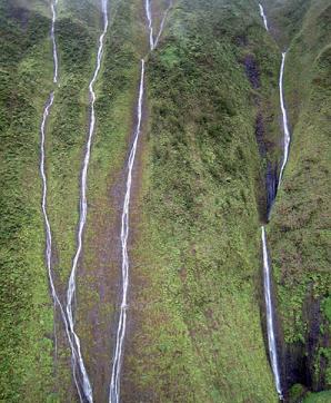 Tembok+Unik+Yang+Bisa+Mengeluarkan+Air+Mata+Ada+di+Hawaii+3 Tembok Unik Yang Bisa Mengeluarkan Air Mata Ada di Hawaii