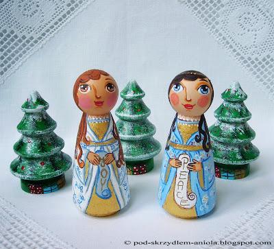 Anioł Aniołek Boże Narodzenie Bożonarodzeniowy Świąteczny Gwiazdka malowana figurka statuetka