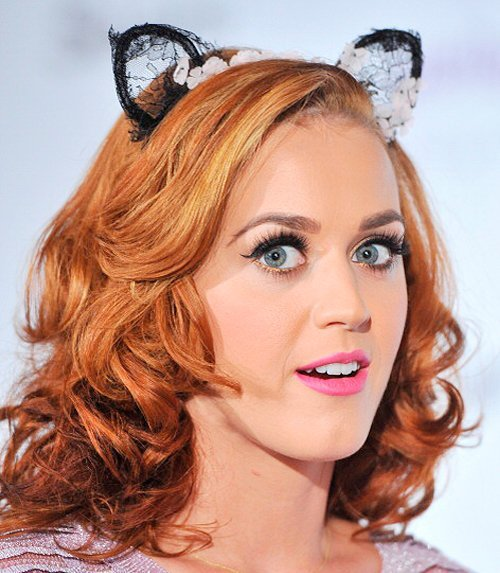Katy_perry_red_hair_extensions_Natural_red_hair.jpg