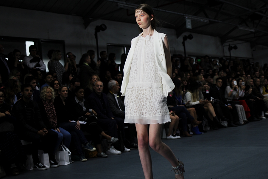 bora aksu london fashion week ss16 look 1