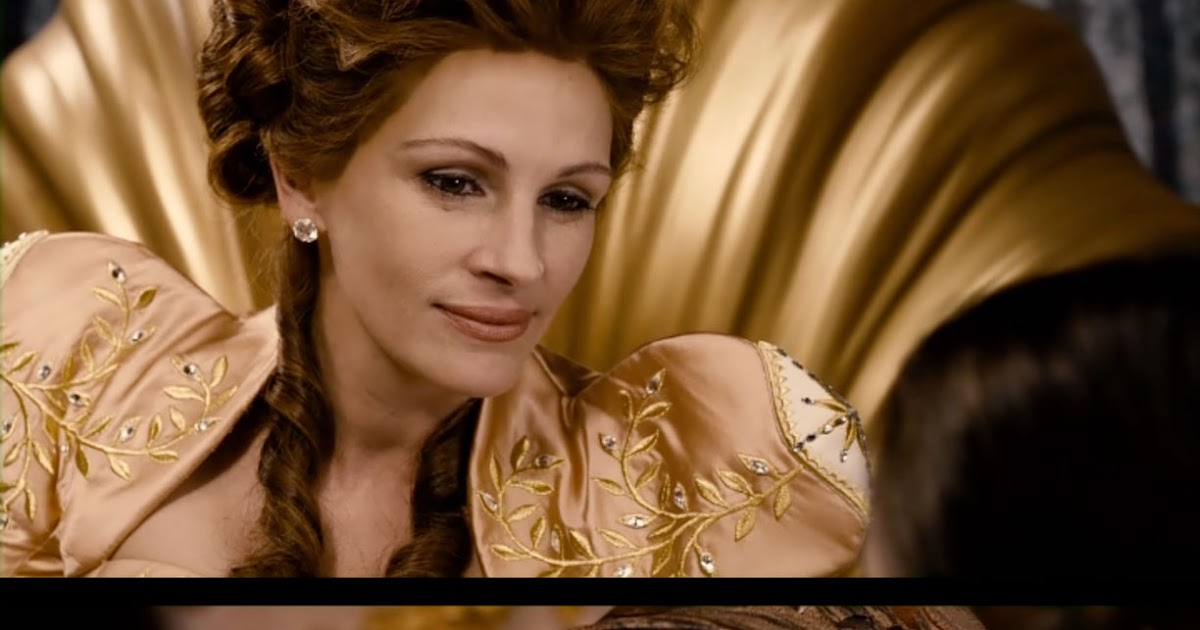 Girls gone old aging on film julia roberts in mirror mirror for Mirror mirror cast