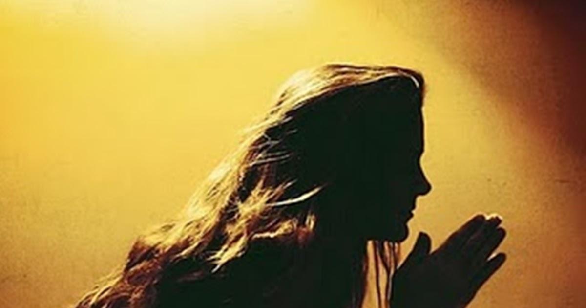 Resultado de imagem para uma mulher orando