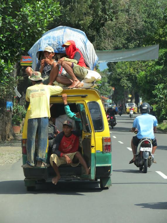 Menantang Maut. 2012