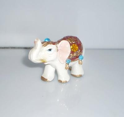 Kis fehér elefánt