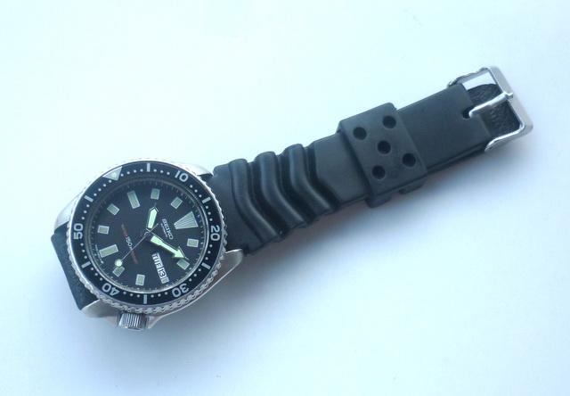 Militarywatch SOLD SEIKO DIVER 6309 7290 BLACK DIAL