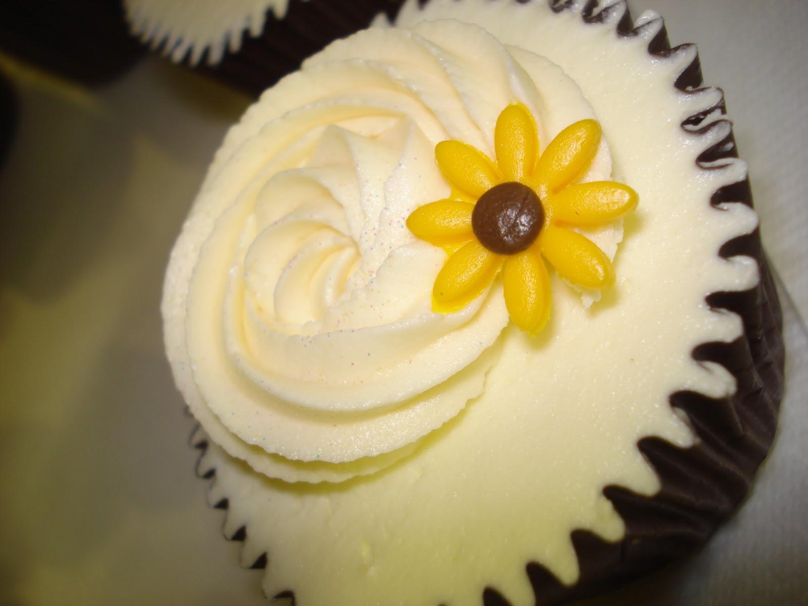 Beautiful Bridal Sunflower Wedding Cupcakes