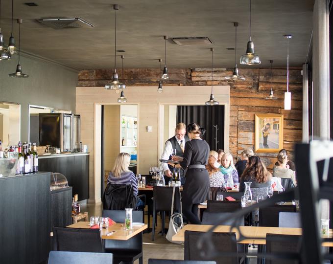 ravintola goto, rauma, sisustus, ravintolasisustus, valokuvaus ravintolassa