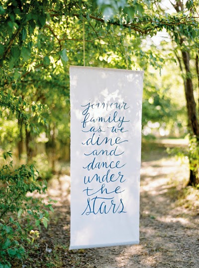Hand painted calligraphic wedding sign - Beautiful Examples of Hand Lettering in Wedding Signage on HelloBrio.com