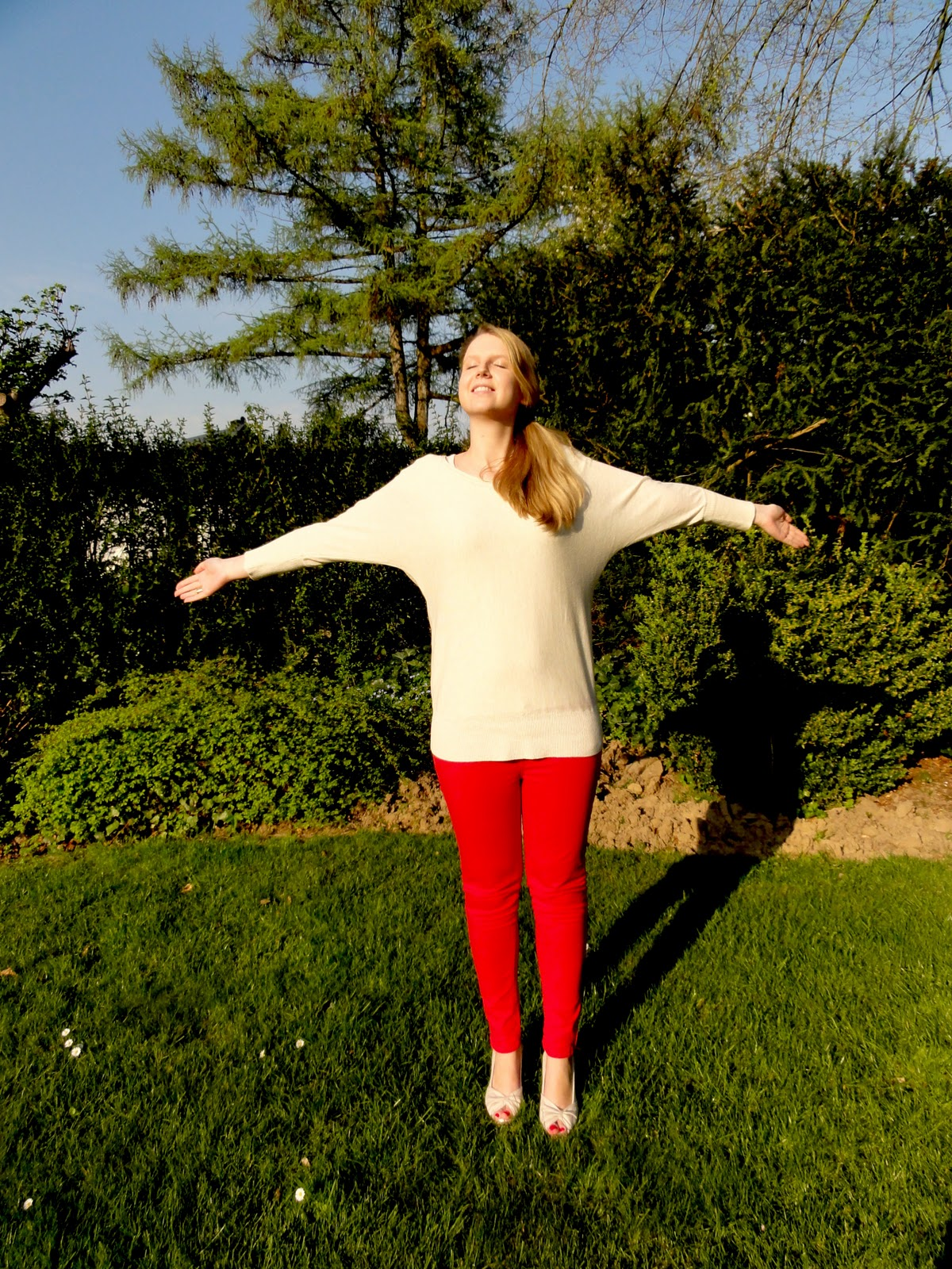 Finally another outfit post! Today I am wearing my new red jeans and my new ...