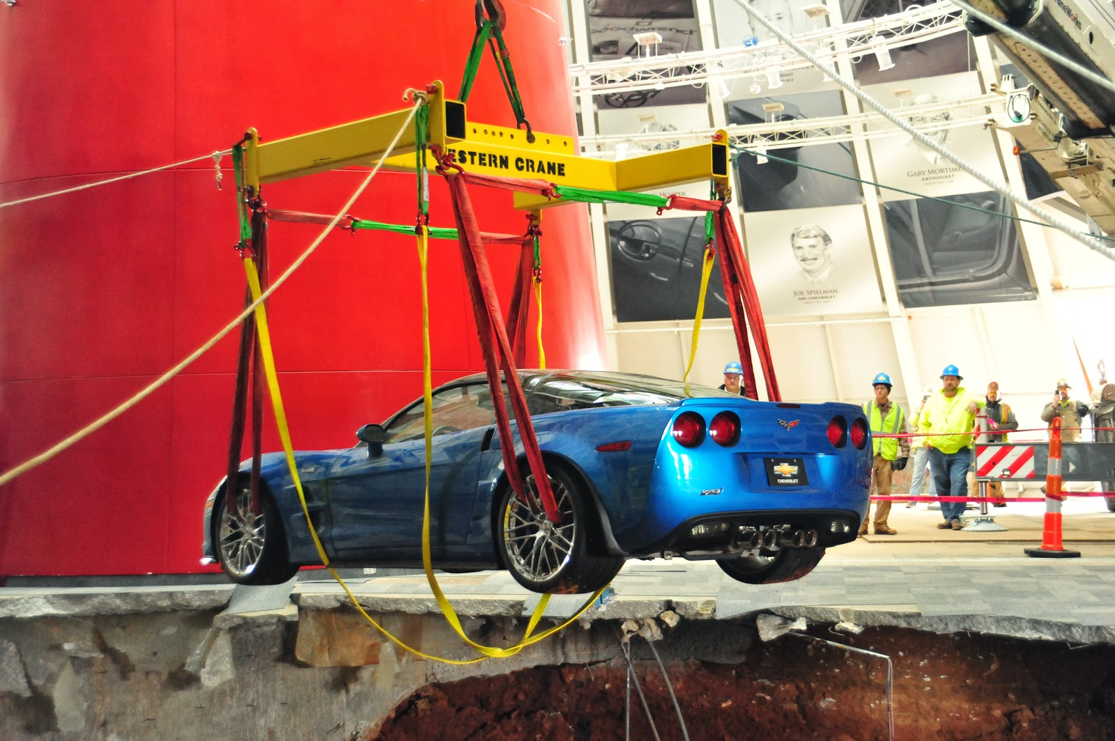 national corvette museum retrieves first corvette from sinkhole. Cars Review. Best American Auto & Cars Review