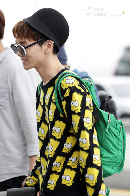 SHINee Key's Jeremy Scott airport style 120921