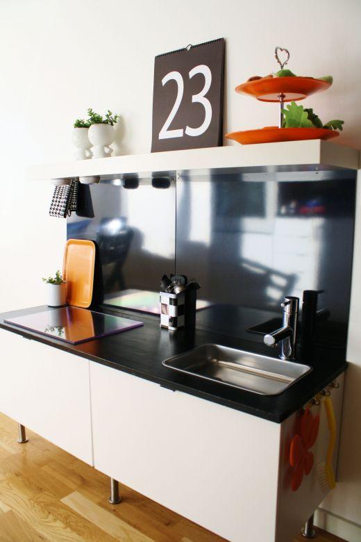 Ikea hack una cocinita de juguete en la cocina baby deco for Cocina de juguete