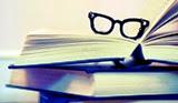 immagini libri con occhiali