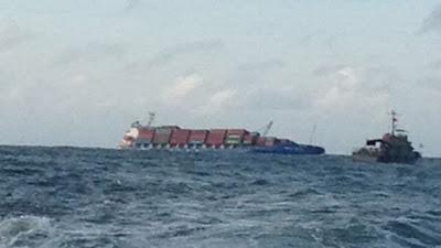 Tàu hàng đâm nhau, 19 thủy thủ bị rơi xuống biển, thế giới lốp, lop xe, lốp xe ô tô, giá lốp, gia lop