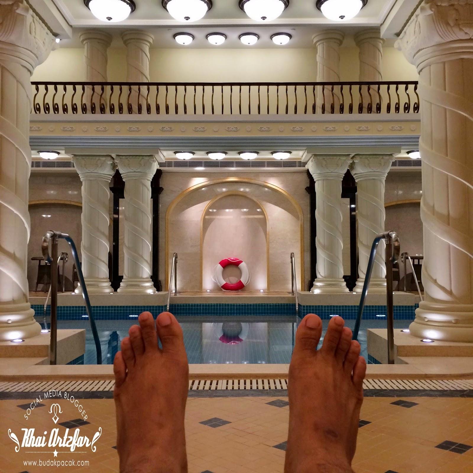 Yang bestnya hotel yang bertaraf 4 bintang ini baru sahaja di buka pada Februari yang lalu dan kiteorang antara rakyat Malaysia yang terawal menginap di