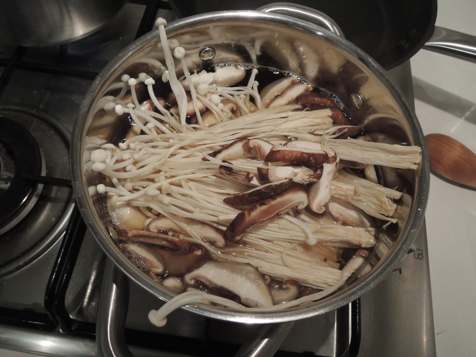 how to eat or cook enoki mushrooms
