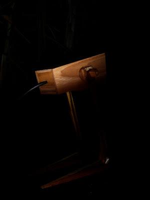 lampu belajar dari kayu jati 1