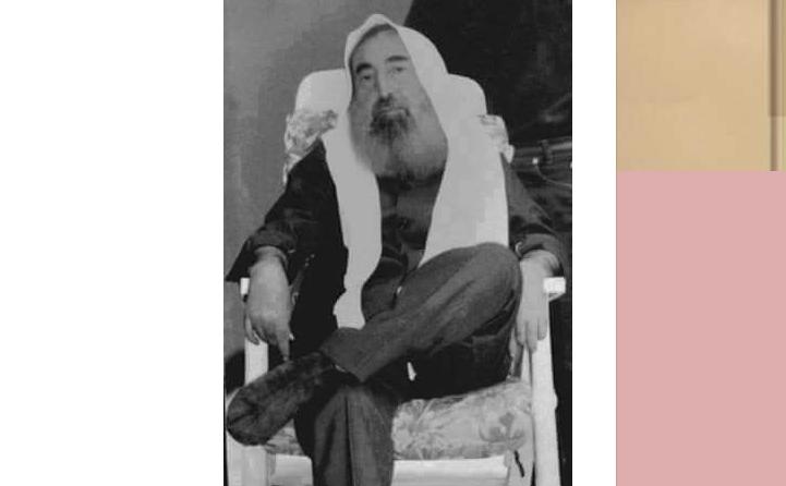 لن تصدق بماذا أجاب الشيخ أحمد ياسين  عندما سئل لماذا وضعت قدما على قدم في هذه الصورة رغم عجزك ؟
