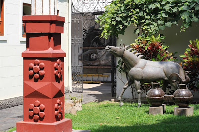Sculptures at Casa Taller Delfin