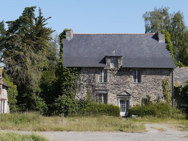 Bâtiment du 16ème siècle, manoir du Plessis-Mahé à Lieuron