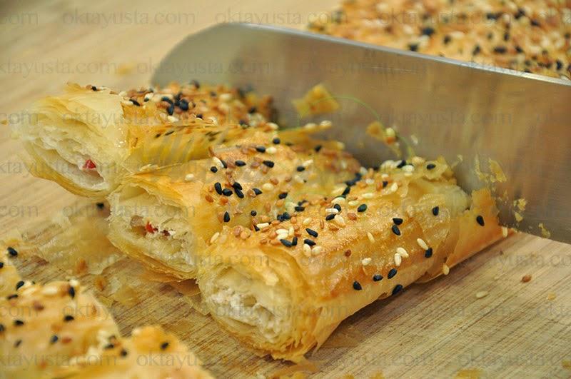 Lor Peynirli Cevizli Çıtır Börek Tarifi