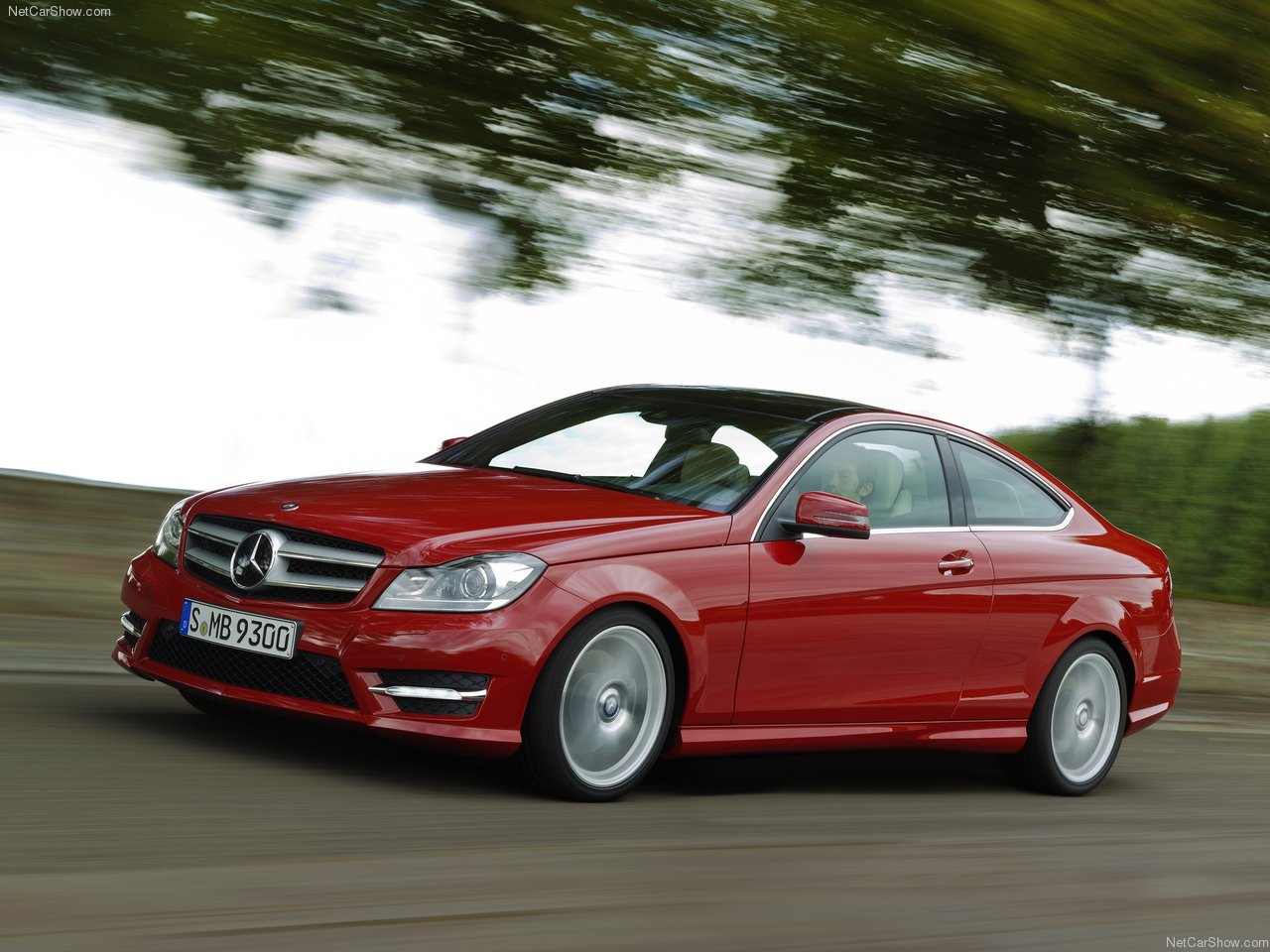 http://2.bp.blogspot.com/-h2YKzWkba6c/TV_mdsO2MhI/AAAAAAACJmQ/rO8EpAC6wM8/s1600/Mercedes-Benz-C-Class_Coupe_2012_1280x960_wallpaper_06.jpg