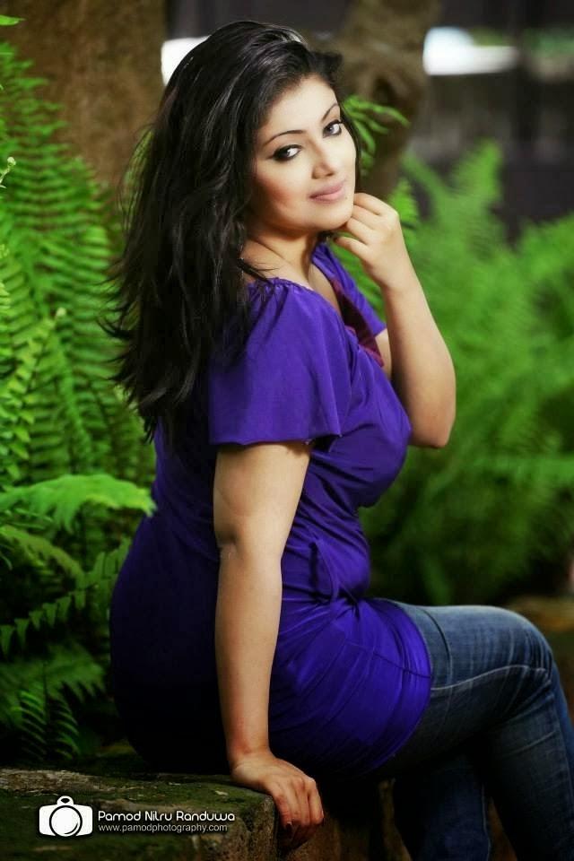 Natasha Perera Hot