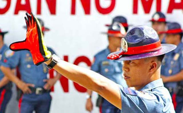 According to HPG director Chief Superintendent Arnold Gunnacao, his boys will implement the 30-second rule in apprehending erring motorists on EDSA to curb bribery in imposing traffic violations.