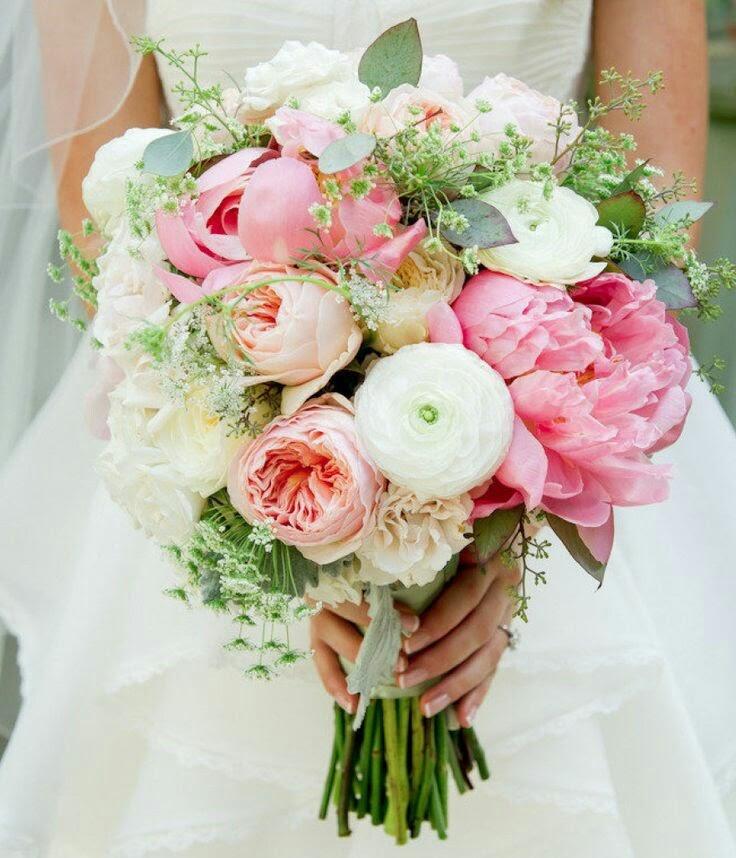 Peonias y rosas Austin