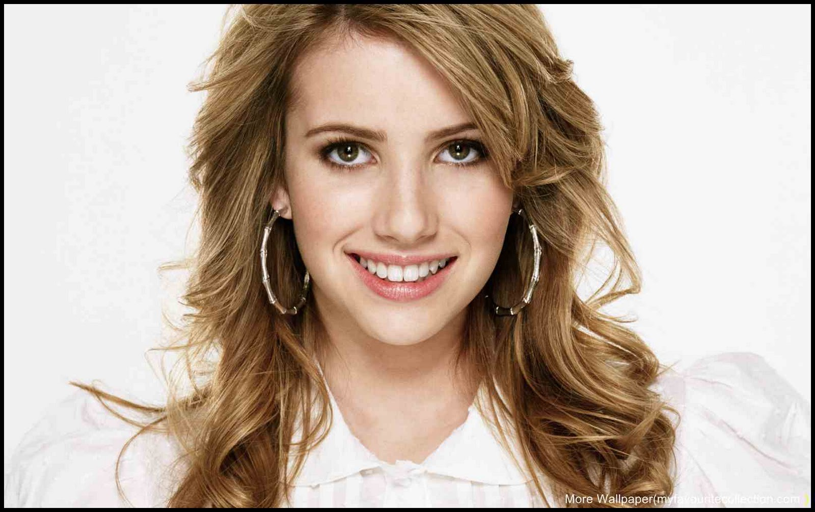 Emma Roberts Beautiful Wallpaper 0