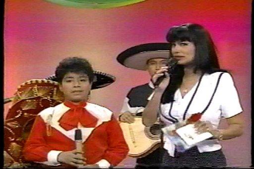 El Charrito de Oro y July Pinedo - Canal 5 - Panamericana TV