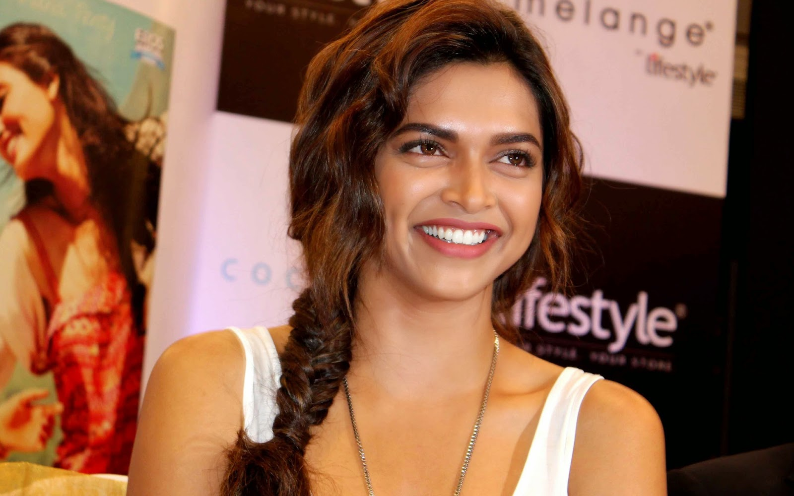 deepika padukone images, wallpapers and hot picture gallery: deepika