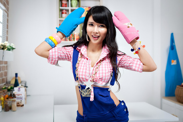1 Cha Sun Hwa in Short Overalls-very cute asian girl-girlcute4u.blogspot.com