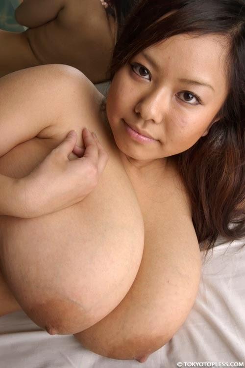 Fuko topless