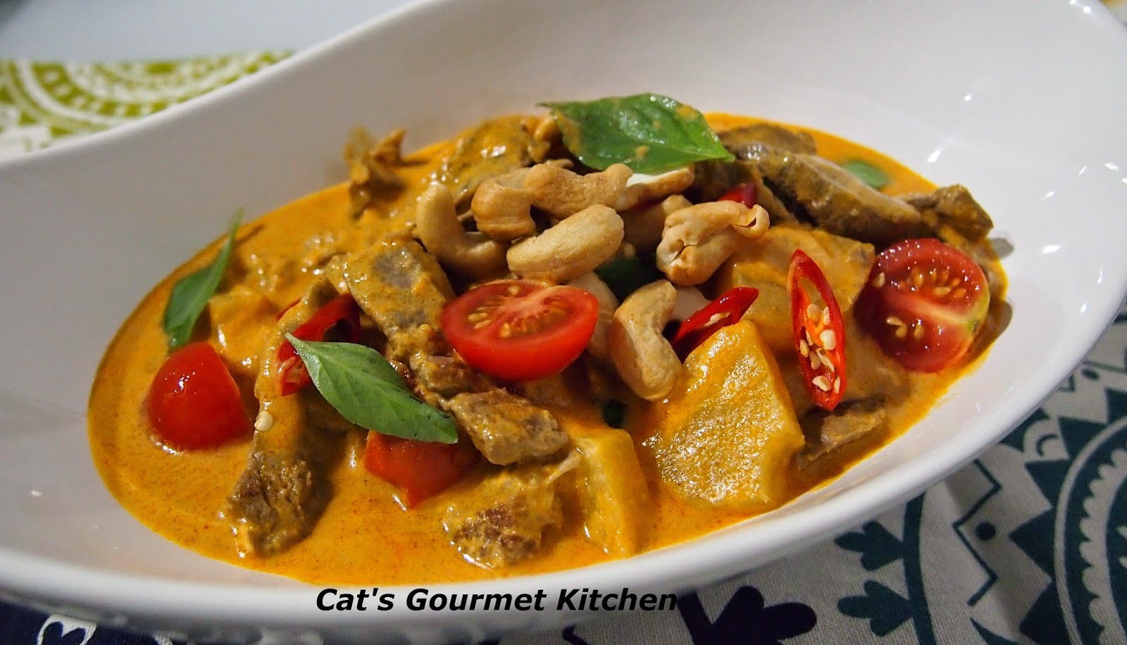 泰式紅咖喱牛肉 Thai Red Curry with Beef - 主菜 -