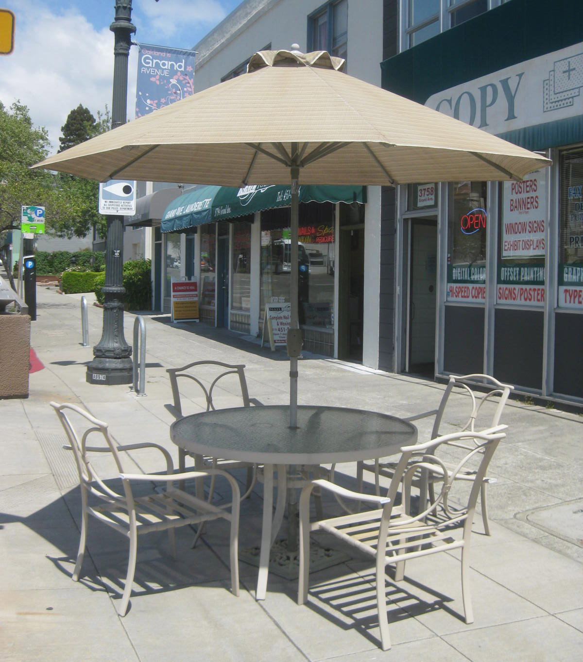 UHURU FURNITURE & COLLECTIBLES SOLD Patio Set with Umbrella $200