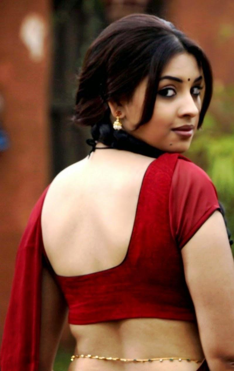 richa gangopadhyay backless blouse saree red saree rare unseen hot pics