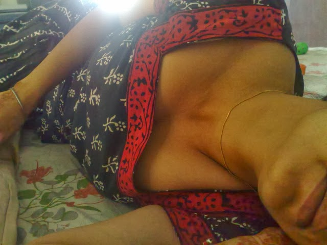 Desi Aunty Sleeping Naked In Bed
