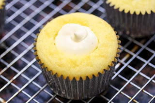 cheesecake-filling-in-cupcake