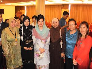 Bersama Menteri Kebajikan, Wanita dan Pembangunan Keluarga Negeri Sarawak