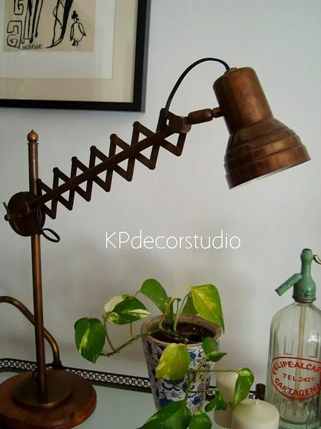 Lámparas y flexos vintage para lectura, como luz auxiliar o para decorar salón o recibidor.